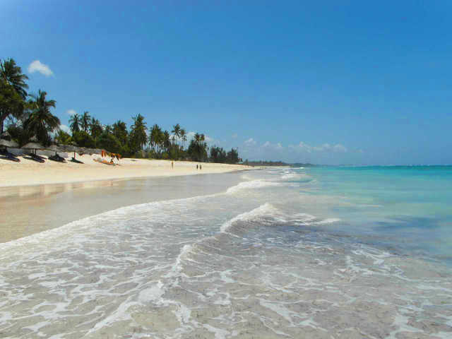 diani-beach-bungalows-water-temperature