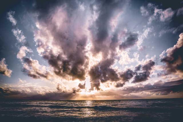 diani-beach-skies